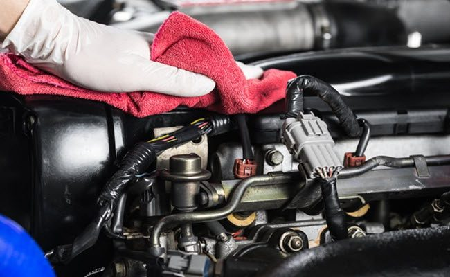 How to maintain an engine of the car?